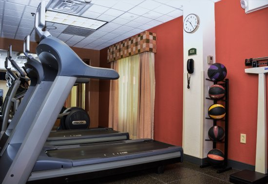 Holiday Inn Express Fayetteville - Ft. Bragg: Gym  -  Nothing better than starting your day with a nice run!