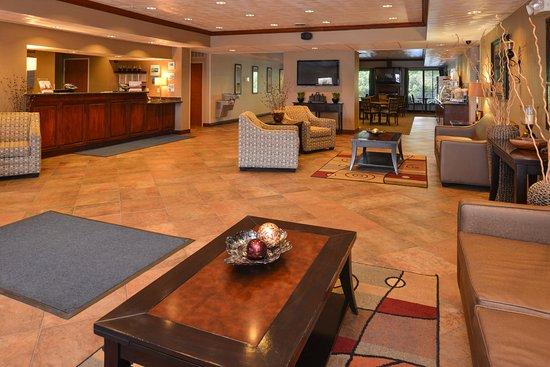 Morgantown, WV: Hotel Lobby