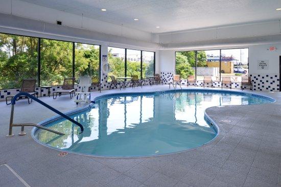Morgantown, WV: Swimming Pool