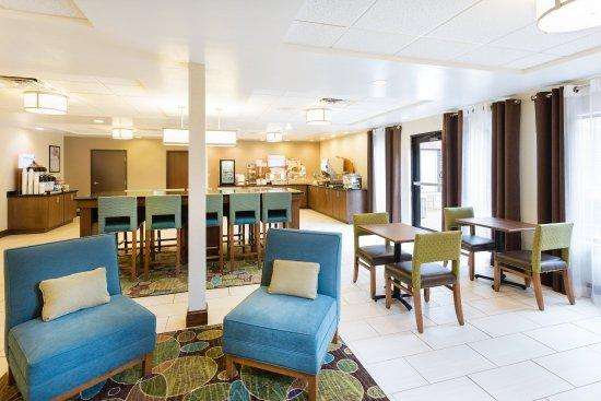Holiday Inn Express Princeton / I-77: Breakfast Bar