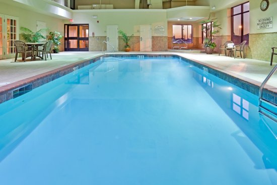 Cape Girardeau, Миссури: Splash the day away in our indoor pool!