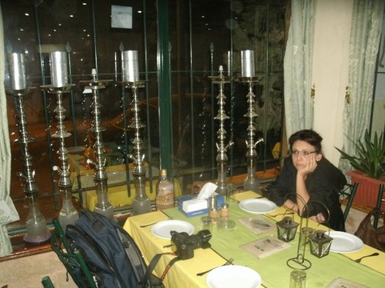 Karak, Jordanië: столик
