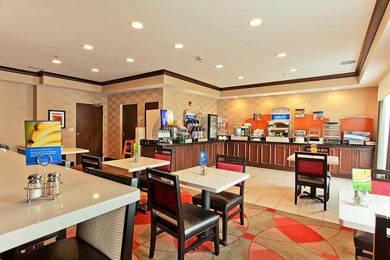 Holiday Inn Express Bothell-Canyon Park (I-405) : Holiday Inn Express Bothell Breakfast Area