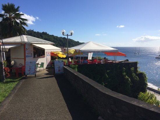Saint-Pierre, Martinica: Bar mit Aussicht