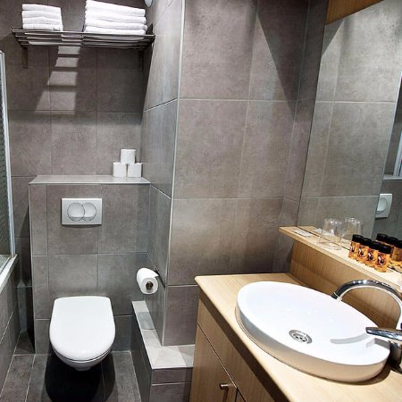Staycity Aparthotels Gare de l'Est : We take pride in our modern and stylish bathrooms