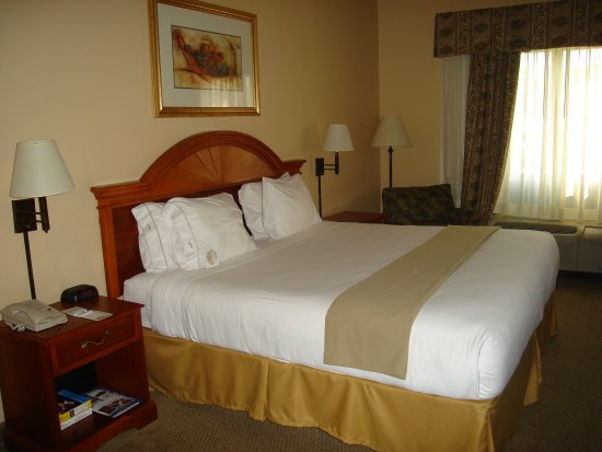Irondale, ألاباما: King Bed Guest Room