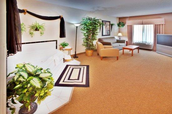 Whirlpool Suite Available Near Ames Corporate Area & ISU