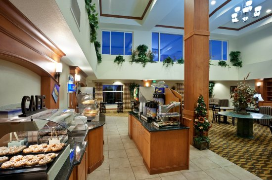 Holiday Inn Express & Suites Nampa at the Idaho Center : Complimentary Full Breakfast