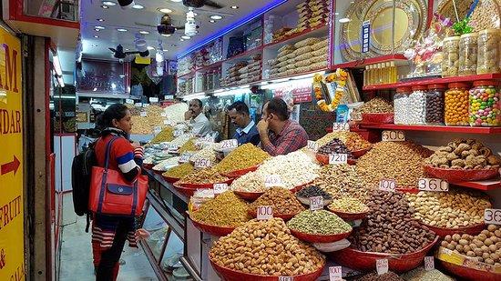 Territoire capital national de Delhi, Inde : Une des nombreuses échoppes d'épices