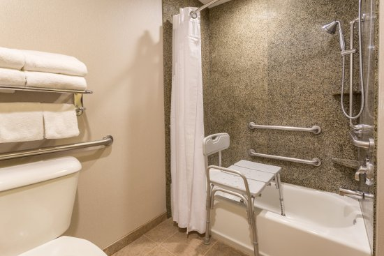 Manteca, CA: ADA/Handicapped accessible Guset Bathroom with mobility tub