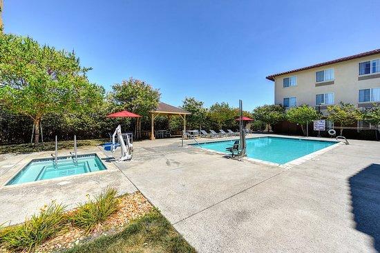 Manteca, CA: Swimming Pool