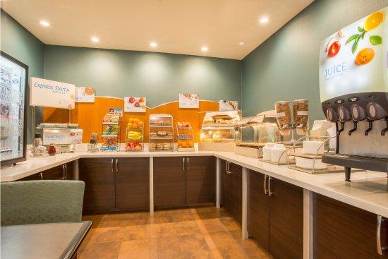 Manteca, CA: Breakfast Bar