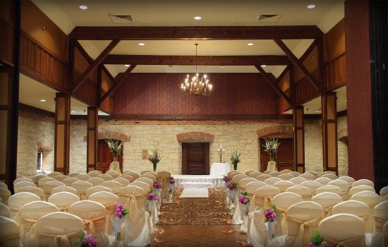Eureka, MO: Wedding Ceremony in the Great Hall