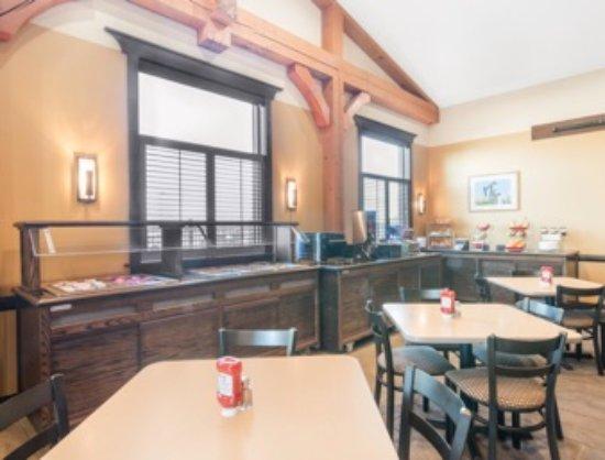 Williston, North Dakota: Breakfast Area