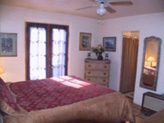 Casas de Suenos Old Town Historic Inn: Room