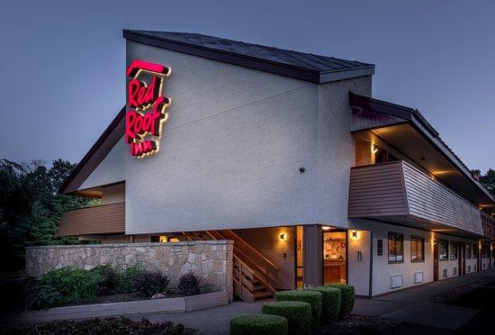 Red Roof Inn Atlanta - Smyrna: Inn Exterior