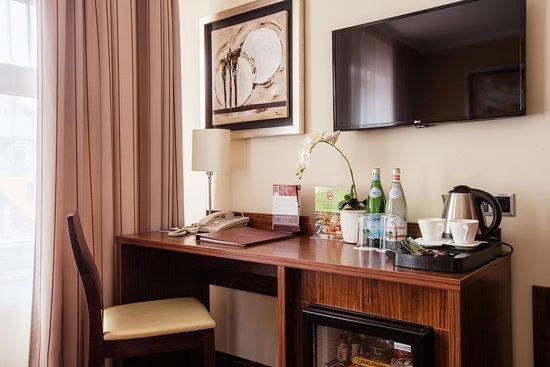 Hotel Avalon Photo