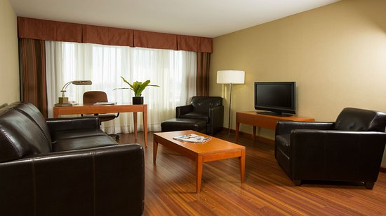 Holiday Inn Express Quebec City (Sainte-Foy): Executive Suite