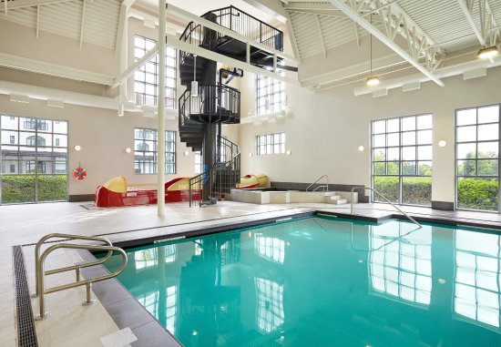 Indoor pool with waterslide  Our St. Andrews hotel's Indoor Pool & Waterslide - Bild von The ...