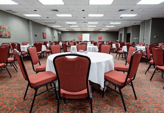 Jonquiere, Canada: William Price Meeting Room    Rounds Setup