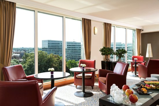 Crowne Plaza Hotel Brussels Airport : Guest Lounge