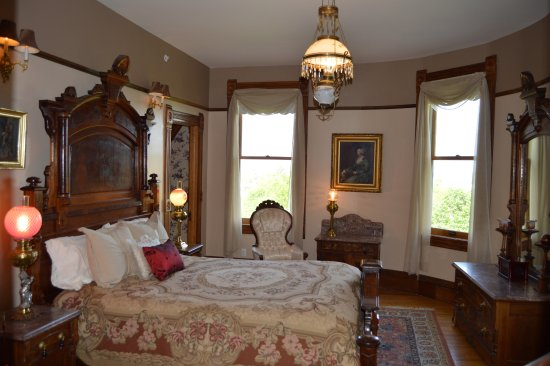 The Bellevue Room