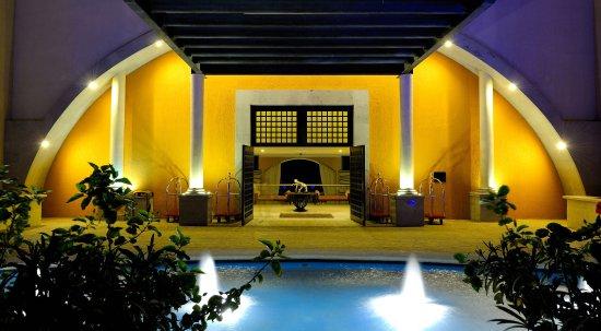 Casa Dorada Los Cabos Resort & Spa: Main entrance