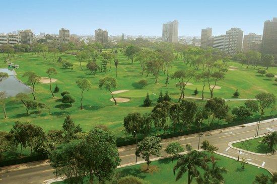 Delfines Hotel & Convention Center: Lima Golf Club