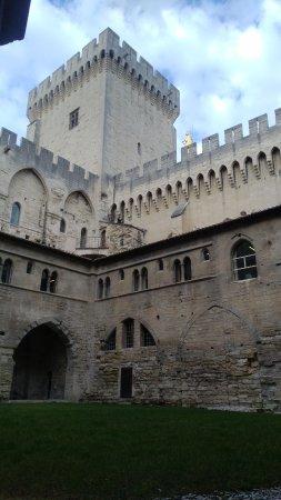 阿維尼翁教皇宮照片
