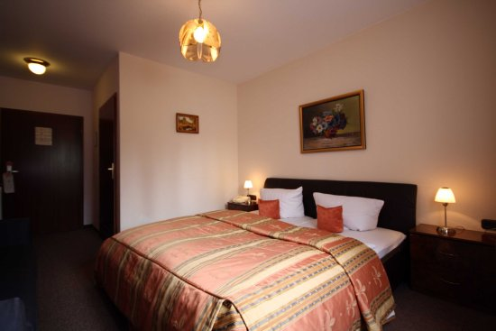 Raunheim, Tyskland: Double room