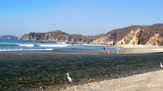 Playa La Bocana : pebbled beach