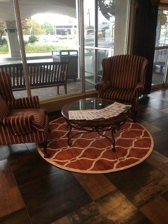 hotel lobby picture of days inn by wyndham baltimore south glen rh tripadvisor com