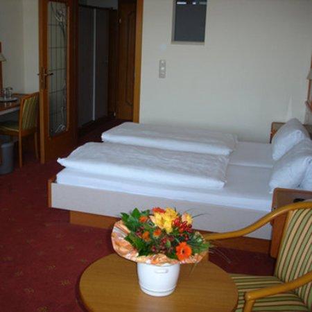 Gmunden, Austria: Multi-bed room
