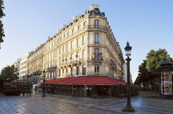 Hôtel Barrière Le Fouquet's Paris: Exterior view
