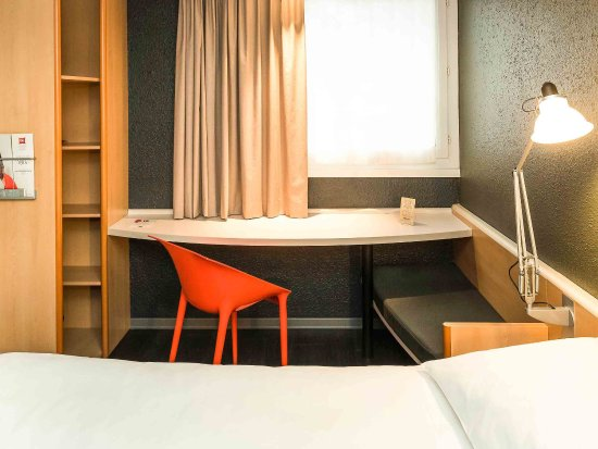 Caudan, France : Guest Room