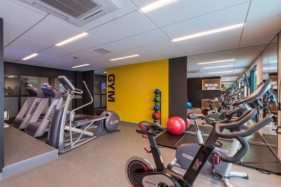 Hotel & Suites Normandin: Salle d'entraînement 24h / Gym 24h