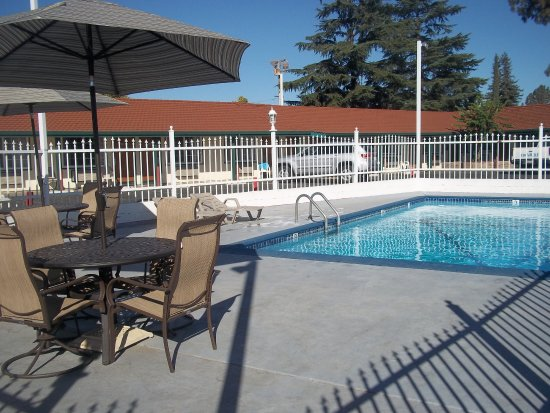 Holiday Motel 60 8 0 Prices Reviews Oakdale Ca Tripadvisor