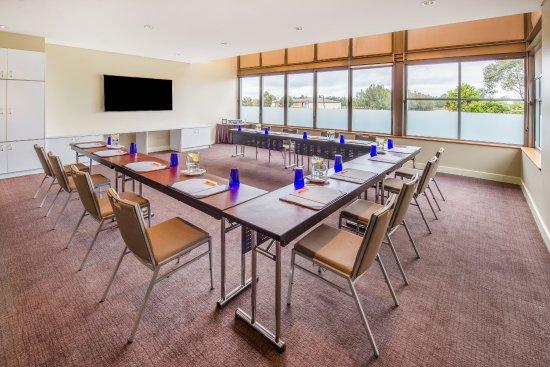 Lovedale, Australia: Chardonnay - U-Shape Setup