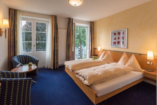 Gunten, Швейцария: Double room with balcony