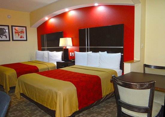 Americas Best Value Inn & Suites-Baytown/San Jacinto Mall : Two Queen Beds