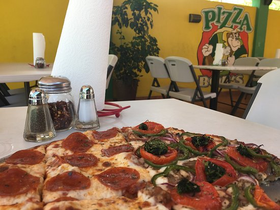 Pizza Bob's: pizza for lunch