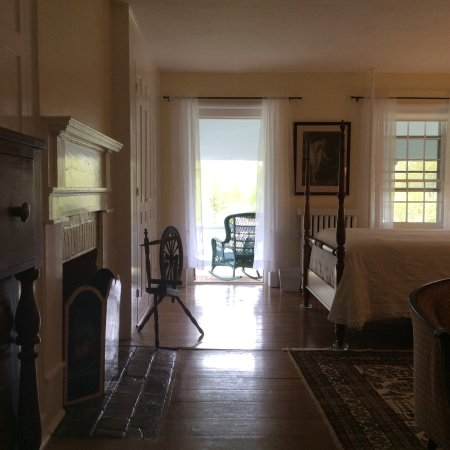 McDaniel, MD: Private porch off of the Peach Room