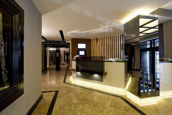 Cihangir Hotel: Hotel Front Office