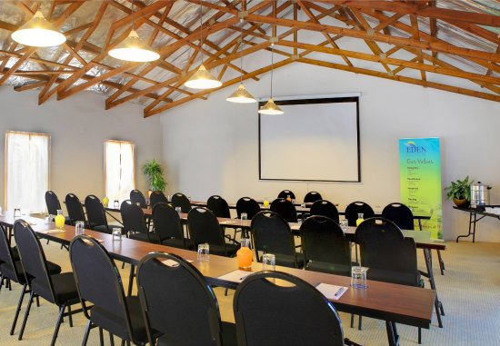 Protea Hotel by Marriott George Outeniqua: Conference Room    Classroom Setup