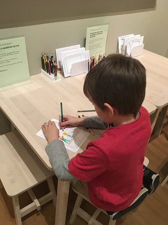 Old Lyme, คอนเน็กติกัต: Drawing table at the Art Museum