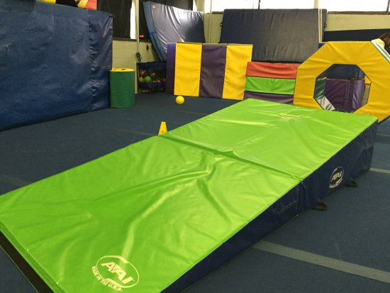 Manahawkin, NJ: Mats laid out for kids to play on