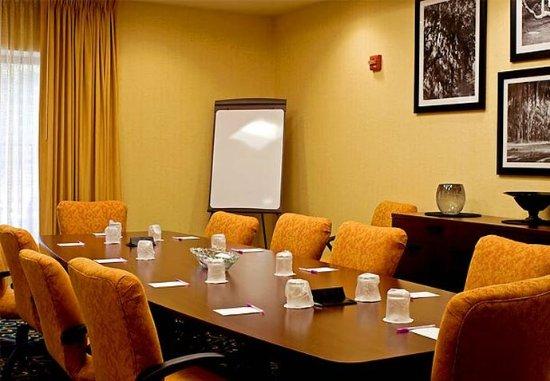 Statesboro, GA: Executive Boardroom