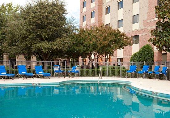 Addison, TX: Outdoor Pool