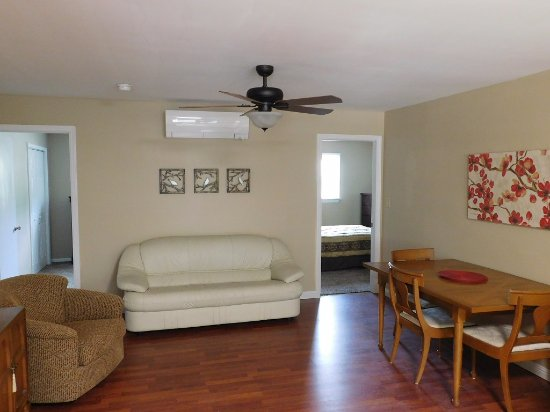 Mouth of Wilson, VA: 2 - bedroom suite with kitchen, living area and laaundry