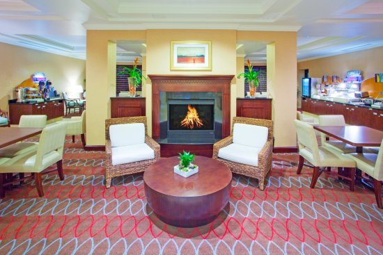 Holiday Inn Express Hotel & Suites Washington DC-Northeast: Additional Breakfast Seating Area